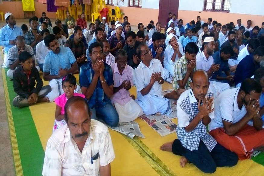 Temple in Kerala Opened for Muslims as Mosque was Flooded
